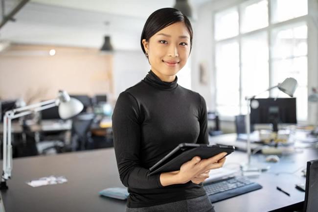 Como desenvolver cinco características essenciais para ter uma postura de líder