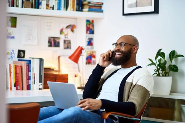5 maneiras de ser um colaborador melhor no home office